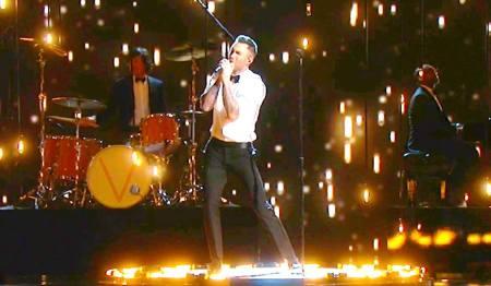 Oscar Shot Maroon 5